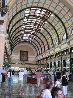 中央郵便局内部ホール